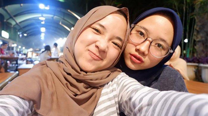 Iin Fadillah, 4 Fakta Kakak Kandung Nissa Sabyan yang Sering Dikira Kembar, Punya Bisnis Keren!