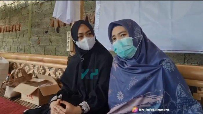 Meski Tanpa Sang Ayah, Oki Setiana Dewi & Shindy Tetap Bersyukur Bisa Rayakan Idul Adha 2021