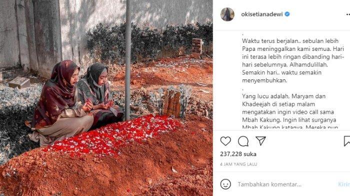 Oki Setiana Dewi kembali ziarah ke makam sang ayah.