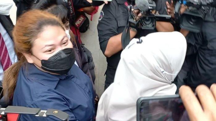 Diperiksa Polisi Terkait Dugaan Penipuan CPNS, Olivia Nathania Anak Nia Daniaty: Minta Doanya