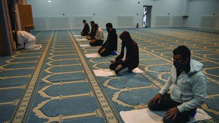 Ramadhan 2021, Salat Tarawih di Masjid Boleh dengan Batasan, tapi Tidak untuk Zona Merah & Oranye