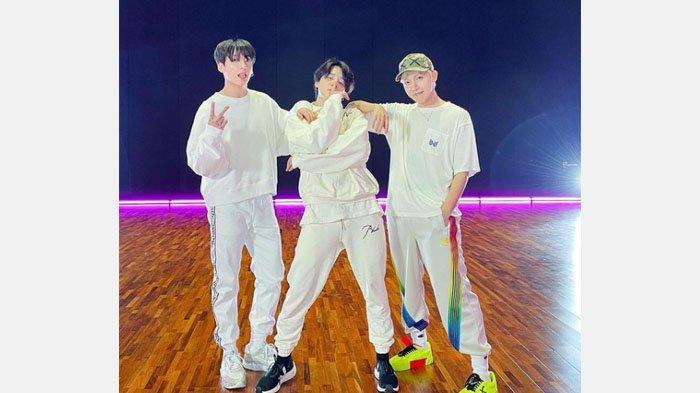 Tampil 'Meriah' saat Dance Butter, Berapa Harga Outfit J-Hope BTS dari Ujung Rambut hingga Kaki?