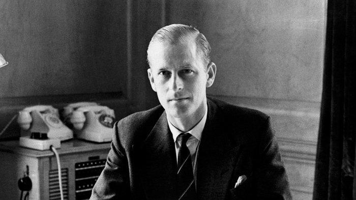 Tampan dan Gagah, 5 Potret Masa Muda Pangeran Philip, Suami Ratu Elizabeth II Kini Berusia 99 Tahun