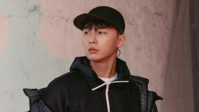 What's Wrong With Secretary Kim Sukses, Park Seo Joon Cukup Lama Bangun Karakter Lee Young Joon