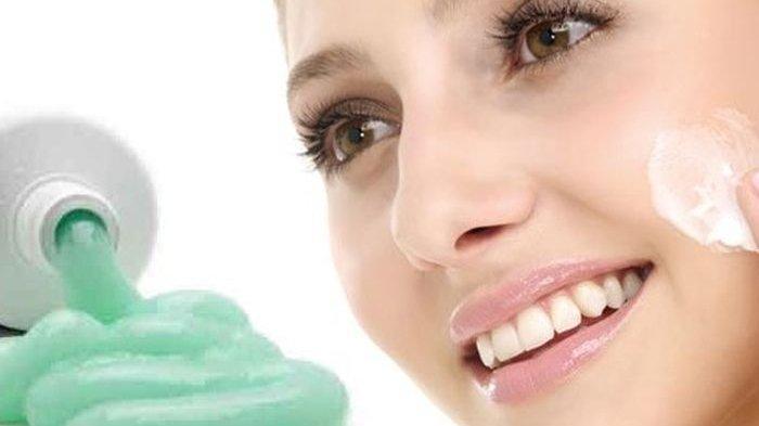 Mengobati Jerawat dengan Pasta Gigi Ternyata Berbahaya ...