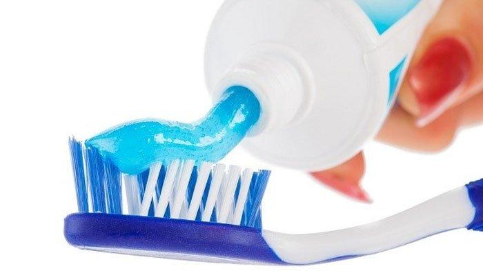 Kandungan Pasta Gigi yang Punya Dampak Negatif Bagi Kesehatan Tubuh, dari Triclosan hingga Plastik
