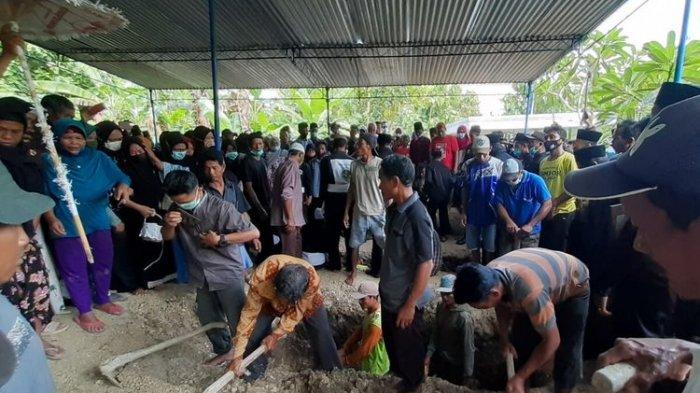 Tangis Ayah Pecah Antar Kedua Putranya Korban Sriwijaya Air Asal Sragen ke Pemakaman: Saya Ikhlas