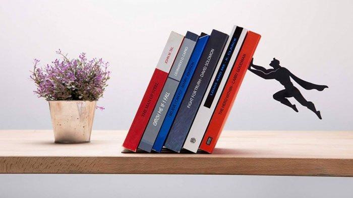 Ilustrasi rak buku.
