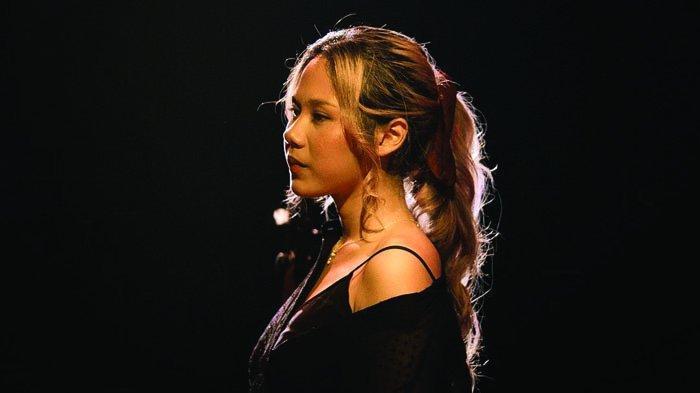 Penyanyi Nadin Amizah