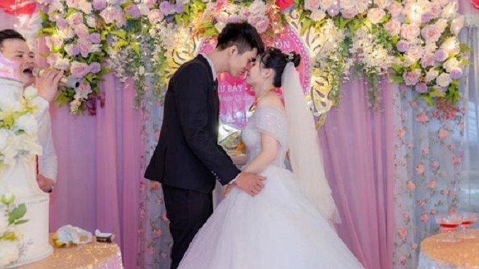 Pernikahan Le Huong dan Xuan Thuy.