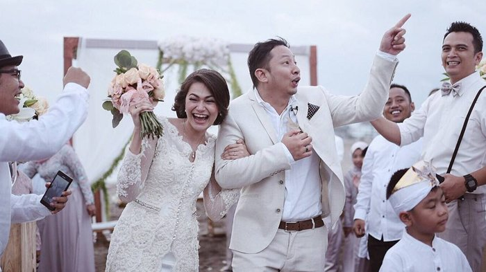 Rayakan Ulang Tahun Pernikahan, Ini Kado yang Diminta Ringgo Agus dari Sabai Morscheck