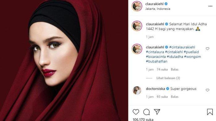 Pesona Cinta Laura kenakan hijab.