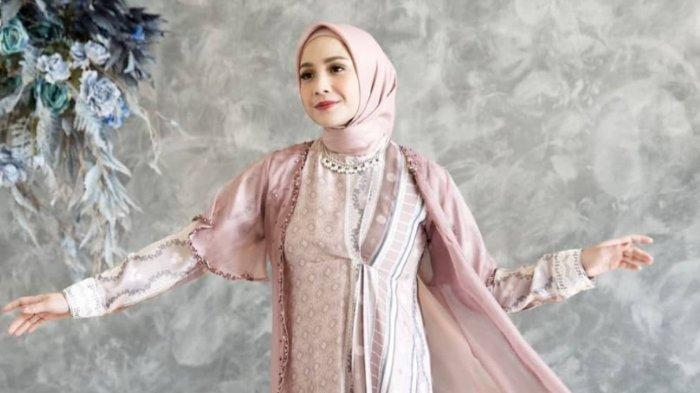 Kecantikan Nagita Slavina Kenakan Hijab Banjir Pujian, Intip Deretan Pesonanya!