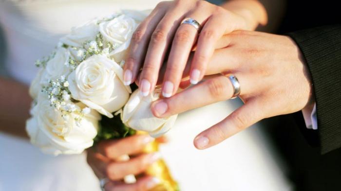 Ilustarsi pernikahan.