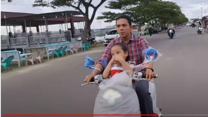 Pon Citra dapat hadiah sepeda motor dari Aurel Hermansyah
