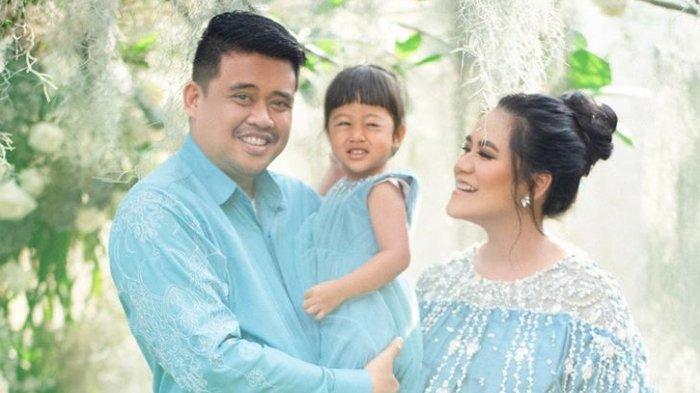 Pose menggemaskan Sedah Mirah bersama Kahiyang Ayu dan Bobby Nasution