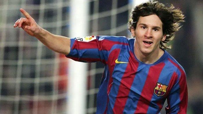 Potret Lionel Messi awal mula bermain bersama Barcelona.