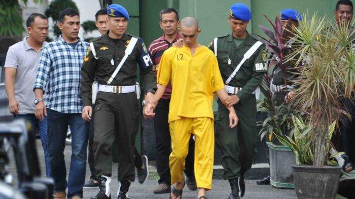 Prada DP ketika berada di Denpom II Sriwijaya, Jumat (14/6/2019). Prada DP diketahui menjadi terduga pelaku pembunuhan terhadap Fera.(KOMPAS.com/AJI YK PUTRA)