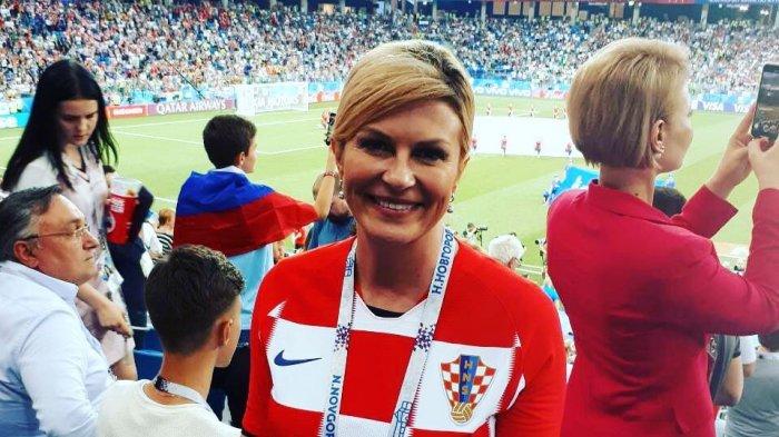 Peluk Semua Pemain hingga Hujan-hujanan, Presiden Kroasia Dibanjiri Pujian Netizen!