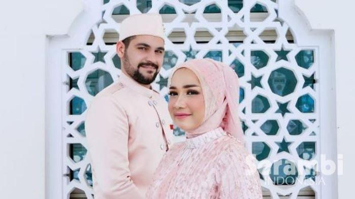 Pria Turki nikahi gadis Aceh, ngaku kepincut kecantikan sang istri yang beda dari yang lain