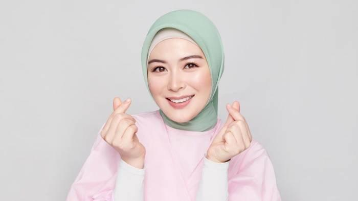 Profil Ayana Moon, Biodata dan Perjalanan Karier Selebgram Korea Selatan yang Putuskan Jadi Mualaf