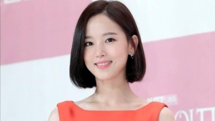 Profil Kang Han Na, Aktris yang Bintangi Drama My Roommate Is a Gumiho hingga Acara Running Man