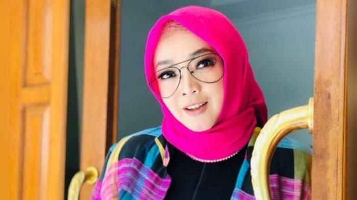 Profil Rina Gunawan, Perjalanan Karier Artis hingga Pengusaha serta Rumah Tangga dengan Teddy Syah