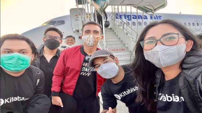 Rachel Vennya Terjun Langsung ke NTT untuk Menyalurkan Bantuan, Bareng Mensos Tri Rismaharini