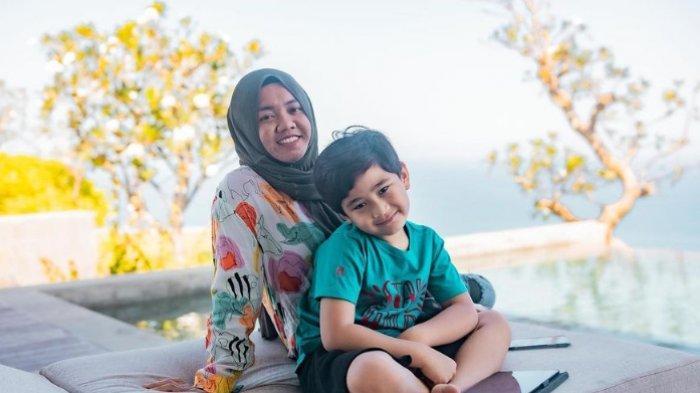 Tak Mau Berpisah, Rafathar Ingin Terus Diasuh Mbak Lala: 'Sampai Aa' Umur 20 Tahun'