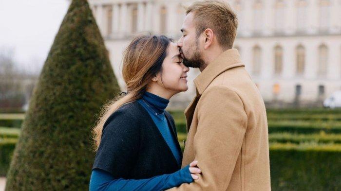 Raffi Ahmad Duluan Kasih Kado Perhiasan Berharga Fantastis ke Nagita Slavina, Intip Nominalnya