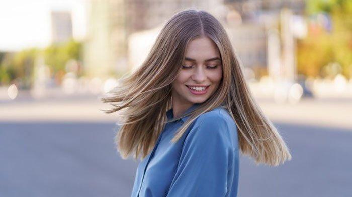 Rambut Bebas Ketombe, Coba 4 Bahan Alami Ini, dari Minyak Kelapa hingga Lidah Buaya
