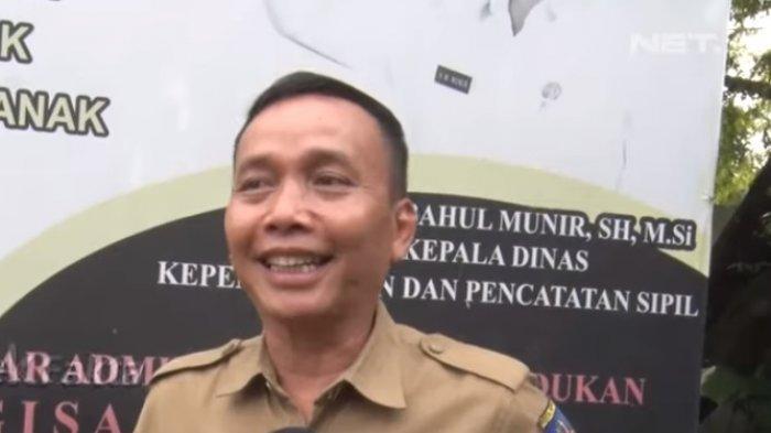 Abdul Rozak ayah dari Ayu Ting Ting.