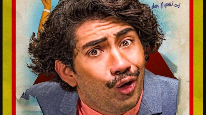 Wajah Reza Rahardian Rela Diinjak-injak Demi Promosi Film Benyamin: Biang Kerok, Netizen: Keren!