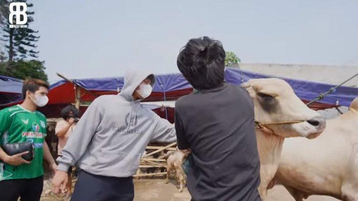 Rizky Billar beli sapi untuk Idul Adha 2021.