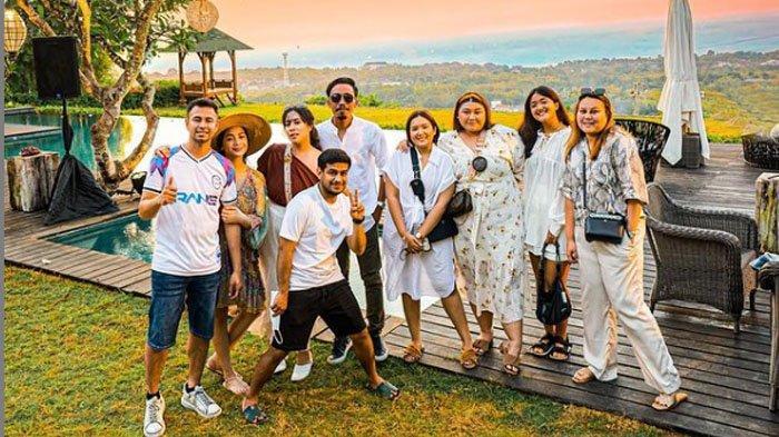 Rombongan Raffi Ahmad, <a href='https://manado.tribunnews.com/tag/nagita-slavina' title='NagitaSlavina'>NagitaSlavina</a>, Fadil Jaidi dan Maharani Kemala saat di Bali.