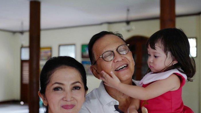 Tak Kalah dari Mantan Mantu, Roy Marten & Anna Maria Makin Mesra Rayakan Hari Jadi Pernikahan Ke 34