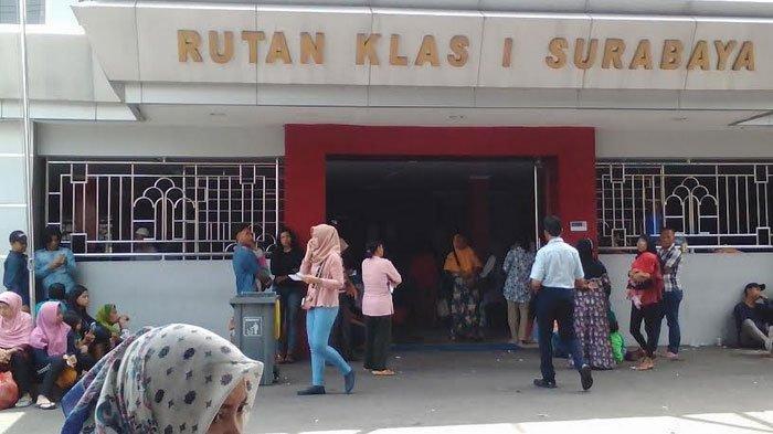 Suasana Rutan Medaeng Sidoarjo saat Mulan Jameela datang menjenguk Ahmad Dhani Senin 11 Februari 2019
