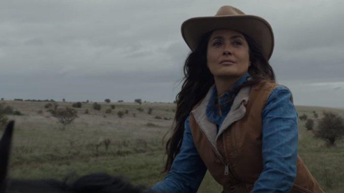 Salma Hayek dalam cuplikan film Eternals.