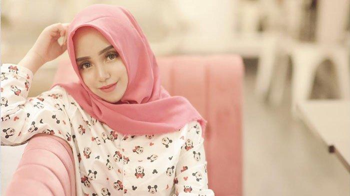 Dikritik Netizen Gara-gara Nggak Syar'i Lagi, Salmafina Sunan: Syar'inya Buat Mantan Waktu Itu