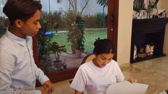 Ruben Onsu Cemas Ambil Rapor Betrand Peto, Reaksi Sarwendah Lihat Nilai Bahasa Mandarin Onyo Disorot