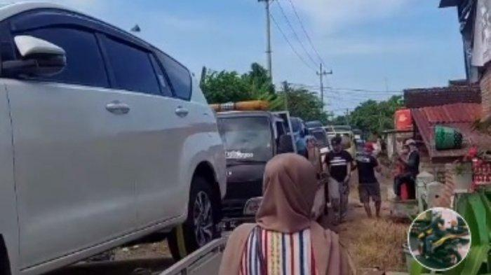 Viral warga desa di Tuban borong mobil.
