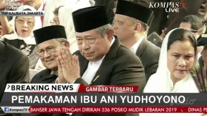SBY dalam pemakaman istri
