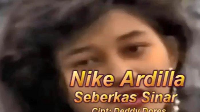 Chord Seberkas Sinar, Nike Ardilla, Kunci Gitar Paling Mudah Buat Pemula