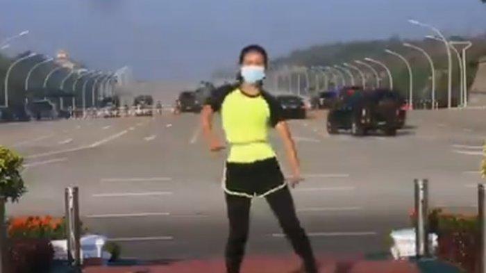 Viral video seorang perempuan senam aerobik saat kudeta militer di Myanmar.
