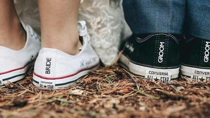 Converse Ramaikan Tren Wedding Sneakers, Pasangan Pengantin Bisa Mengenakan Sepatu Kets saat Menikah