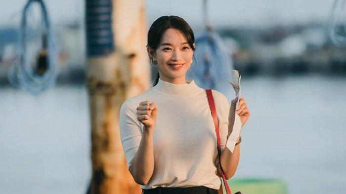 Cuplikan adegan di drama Korea Hometown Cha-Cha-Cha