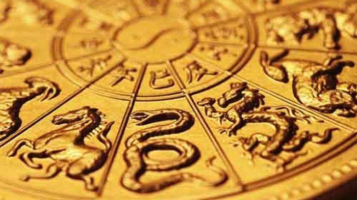 Ramalan 12 Shio di Tahun Babi Tanah 2019, Prediksi Keuangan & Karir, Shio Naga: Pengeluaran Boros!