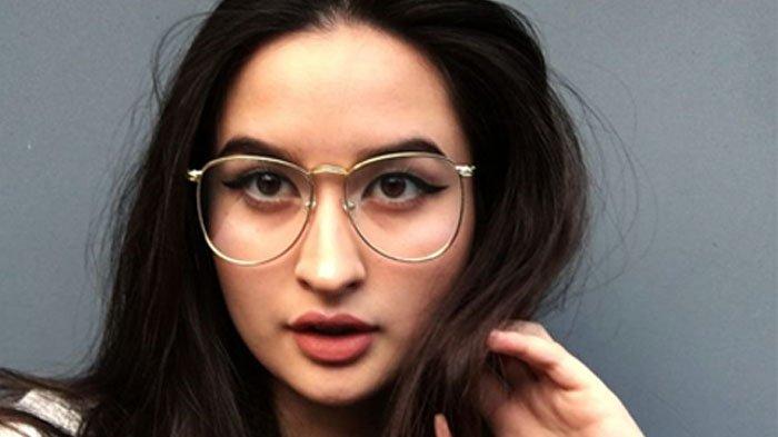 Stephanie Poetri Dougherty, Kareena Kapoor-nya Indonesia, Berikut Profil Lengkapnya Putri Titi DJ
