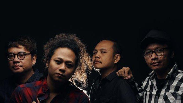 Lirik Lagu Aku dan Dia - Single Terbaru Stinky featuring Jebolan Indonesia Idol, PrattYoda