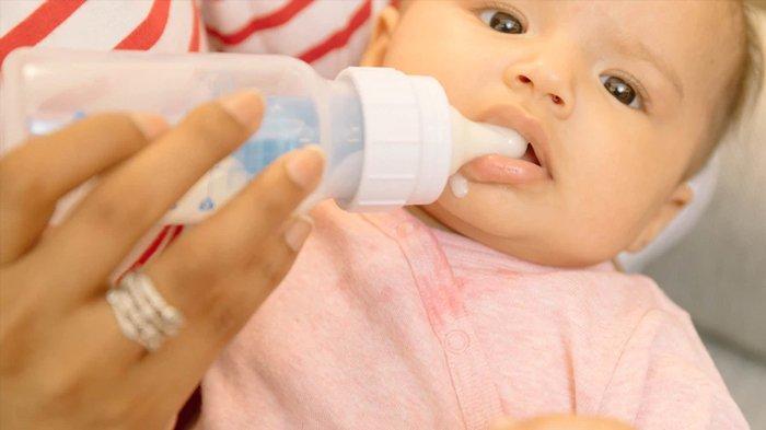 6 Kesalahan Saat Menyiapkan Susu Bubuk Formula Bagi Anak, Awas Malah Mengundang Bakteri!